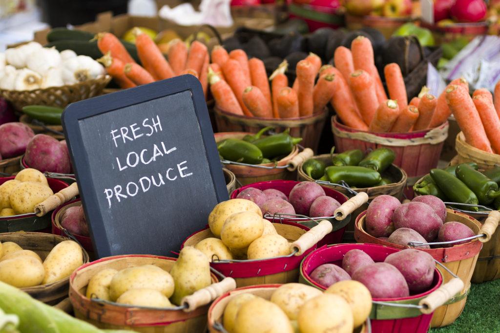 011 Carol Clement & Rob Handel | Farmers Markets
